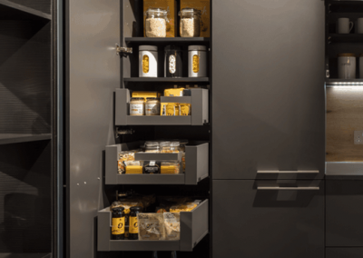 Larder Unit With 4 Pull-out Drawer and a 3 Layer-shelves