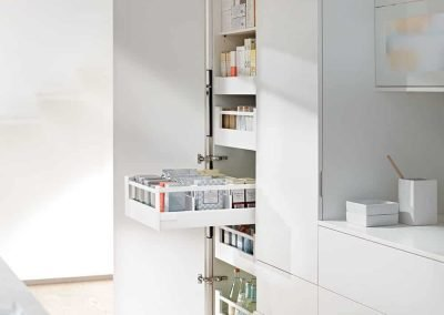White Built-in Kitchen Cabinet Pull-out Pantry